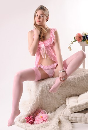 Teen Lingerie Porn Pictures